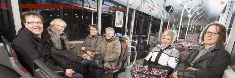 Damenrunde im Bus